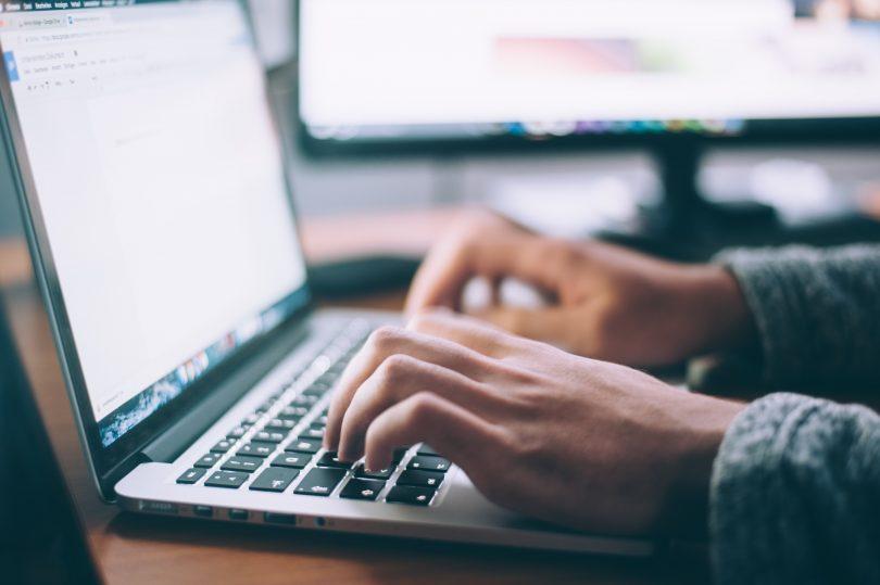 Cómo redactar correctamente un currículum vitae en hosteleria